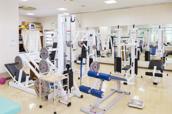 (3)治療にもトレーニングにも使える、豊富な設備